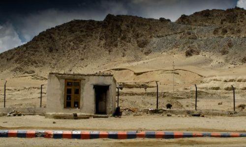 Zdjęcie INDIE / Ladakh / Leh / Na stacji benzynowej