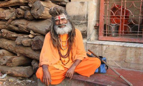 Zdjęcie INDIE / - / Varanasi / Bramin