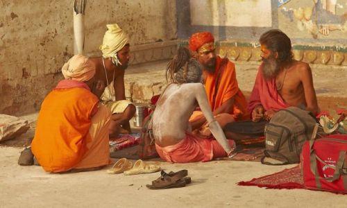 Zdjecie INDIE / -... / varanasi / sadhus