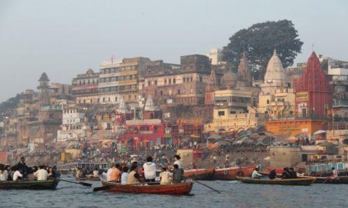 Zdjecie INDIE / - / Varanasi / Ganges o świcie