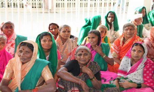 INDIE / Delhi / Świątynia Sikhów / Jak kwiaty...