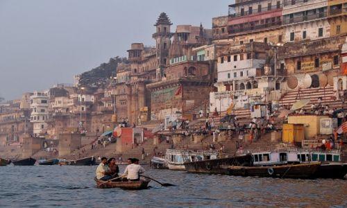 Zdjecie INDIE / - / Varanasi / Na Gangesie