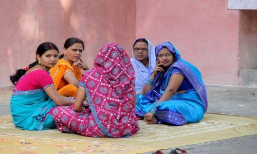 Zdjecie INDIE / - / Varanasi / Pogaduszki