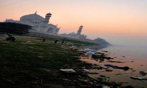 Zdjęcie INDIE /  Uttar Pradesh / Agra / Trochę inny Taj Mahal