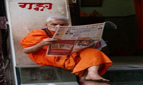 Zdjecie INDIE /  Uttar Pradesh / Varanasi  / tradycja i nowoczesność