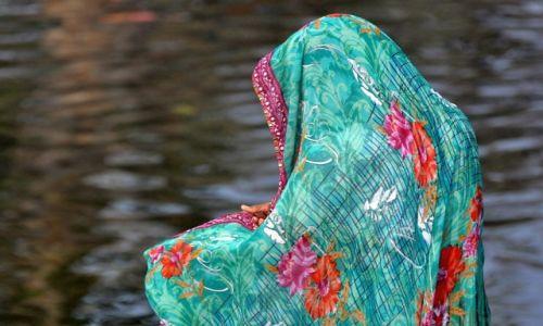 INDIE / Orchha / nad rzeką Betwa / .