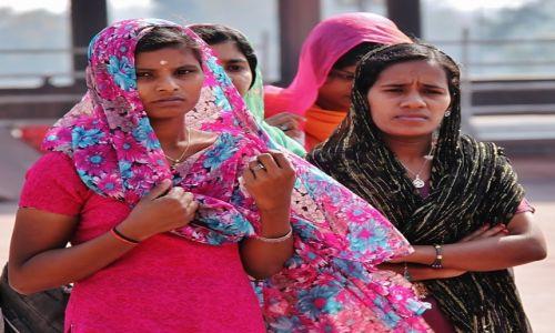 INDIE / Delhi / Meczet piątkowy / Spojrzenie
