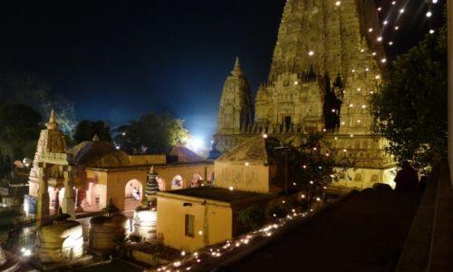 Zdjęcie INDIE / Bihar / Bodh Gaya / Nocna Bodh Gaya-Konkurs