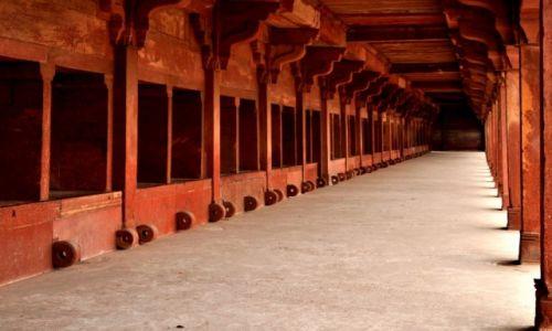 Zdjecie INDIE / - / stajnia dla słoni i wielbłądów / Fatehpur Sikri