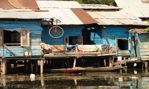 Zdjęcie INDIE / Kashmir - Srinagar / Jezioro Dal , Sikkara / domy na jeziorze Dal