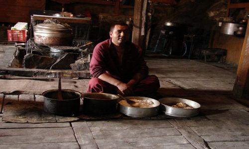 Zdjęcie INDIE / Ladakh / Dolina Nubra  / kuchnia klasztoru w Diskit