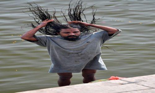 Zdjecie INDIE / Uttar Pradesh / Varanasi, ghaty / przy ghatach