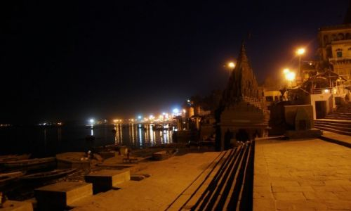 Zdjecie INDIE / Uttar Pradesh / Varanasi / Noc w Varanasi