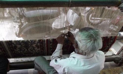 Zdjęcie INDIE / - / Agra / W fabryczce dywanów