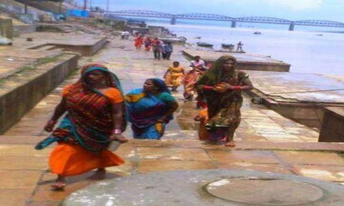 Zdjecie INDIE / - / Varanasi / INDIE - święta rzeka Ganges