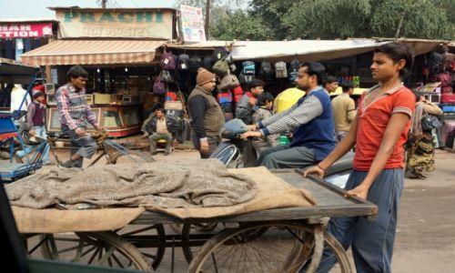 Zdjęcie INDIE / - / Agra / Uliczni sprzedawcy