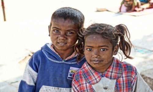Zdjecie INDIE / - / Jaipur / Dzieci ulicy.