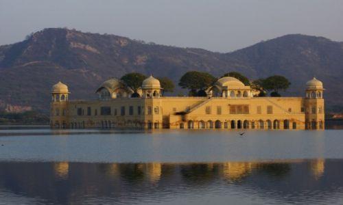 Zdjecie INDIE / - / Jaipur / Pałac na wodzie.