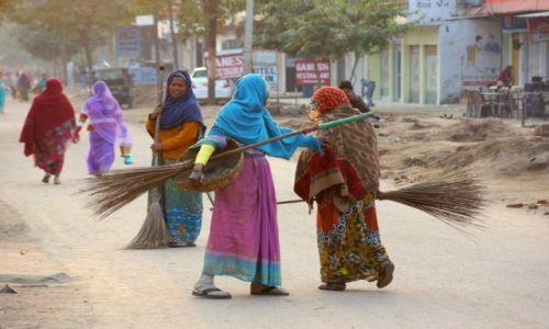 Zdjecie INDIE / - / Khajuraho / Spotkanie koleżanek.