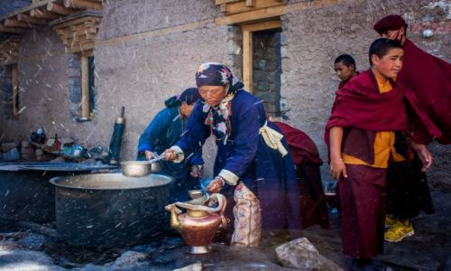 Zdjęcie INDIE / Ladakh / Klasztor w Hemis / Czas na herbatę