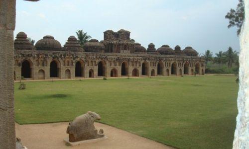 Zdjęcie INDIE / karnataka / Hampi  / Zanana Enclosure-pomieszczenia dla słoni
