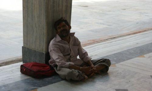 Zdjecie INDIE / - / New Delhi / Modlący się