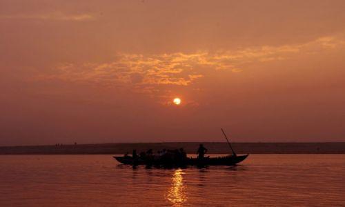 Zdjęcie INDIE / Uttar Pradesh / Varanasi / Ganges  w Varanasi