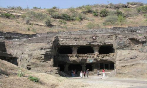 Zdjęcie INDIE / stan Maharashtra / Ellora / świątynia dżinijska wykuta w skale