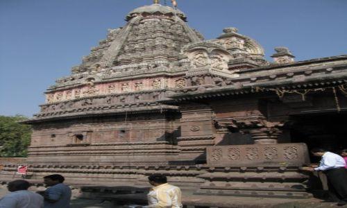 Zdjęcie INDIE / stan Maharashtra / okolice Aurangabadu / świątynia Ghrusneswar
