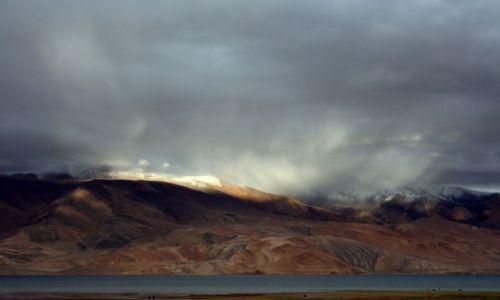 Zdjecie INDIE / Ladakh / Jezioro Tsomori Ri / Światła