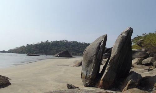 Zdjecie INDIE / Goa / Palolem / Pęknięta skała