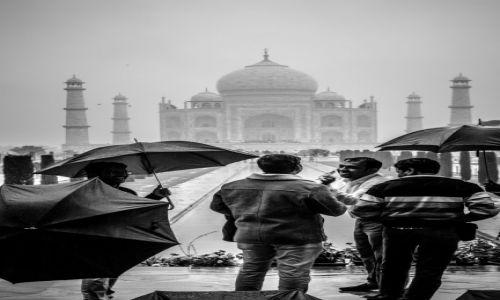 Zdjęcie INDIE / Agra / Tadż Mahal / czasem słońce, czasem deszcz