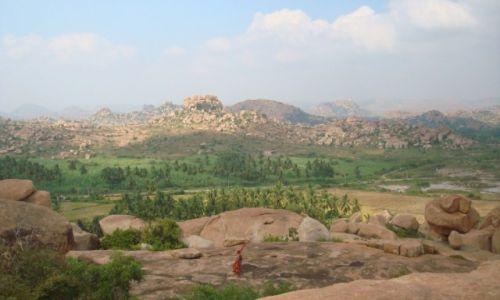 Zdjecie INDIE / Karnataka / Hampi / Mały mnich
