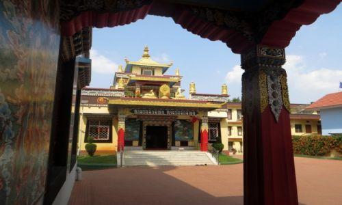 Zdjęcie INDIE / Karnataka / Bylekuppe / Buddyjska diaspora