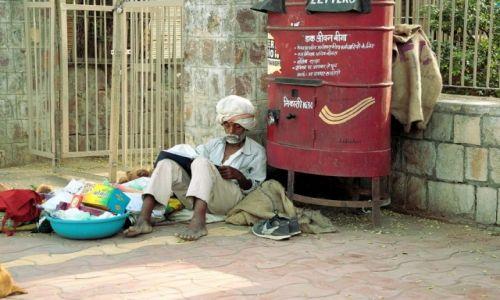 Zdjęcie INDIE / - / ulica w Agrze / Skupiony