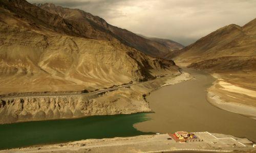 Zdjecie INDIE / Jammu i Kashmir / Ladakh, Nimmu / Indus i Zanskar