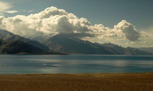 Zdjecie INDIE / Jammu i Kashmir / Ladakh, Pangong Tso / Poranek nad Pangong Tso