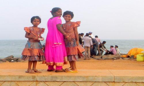Zdjęcie INDIE / ... / na plaży / zwyczajnie ubrane