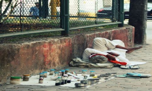 Zdjecie INDIE / Maharasztra / Bombaj / Lekarska pomoc doraźna