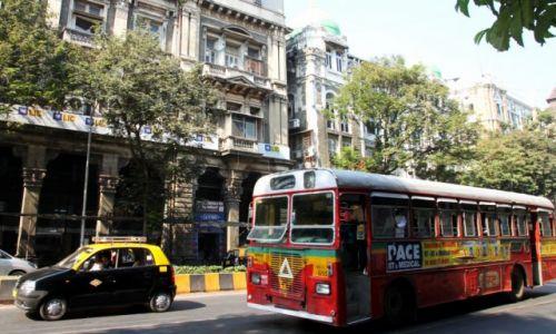 Zdjęcie INDIE / Maharasztra / Bombaj / Kolorowy autobus