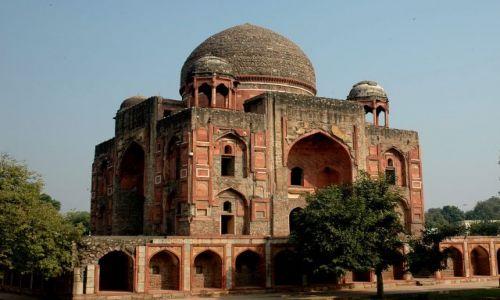 Zdjecie INDIE / Uttar Pradesh / w drodze do Agry / opuszczone miejsce