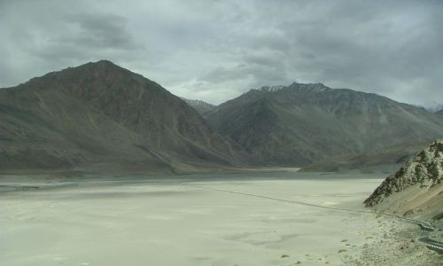 Zdjęcie INDIE / brak / Ladakh / droga przez dolinę Nubry
