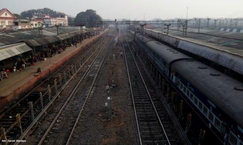 Zdjecie INDIE / Jhansi / dworzec kolejowy / Jhansi