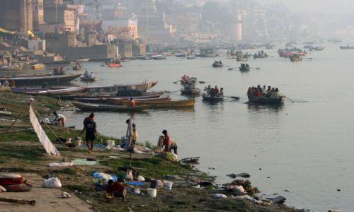 Zdjęcie INDIE / Uttar Pradesh / Varanasi / Indyjska droga