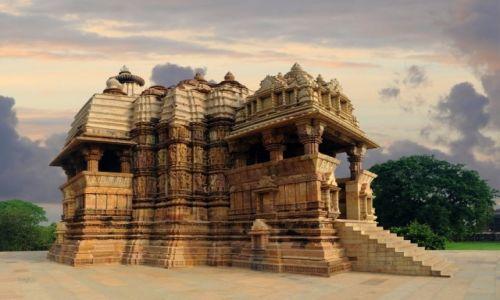 Zdjęcie INDIE / - / Khajuraho / Świątynia w Khajuraho