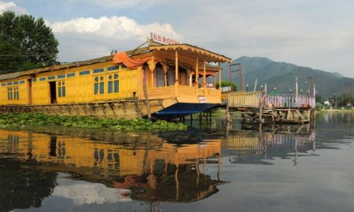 Zdjecie INDIE / - / Srinagar / Na jeziorze Dal