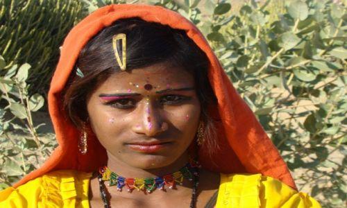 Zdj�cie INDIE / Zachodnie Indie / Pustynia Thar / Cyga�ska dziewczynka