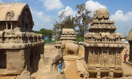 INDIE / Tamil Nadu / Mahabalipuram / Świątynia Pięciu Rydwanów