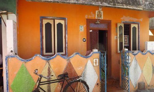 Zdjęcie INDIE / Tamil Nadu / Mahabalipuram / domek przy plaży