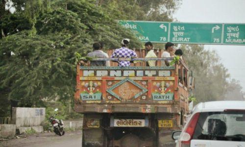 Zdjecie INDIE / Gujarat / Bharuch / INDIAN STREET
